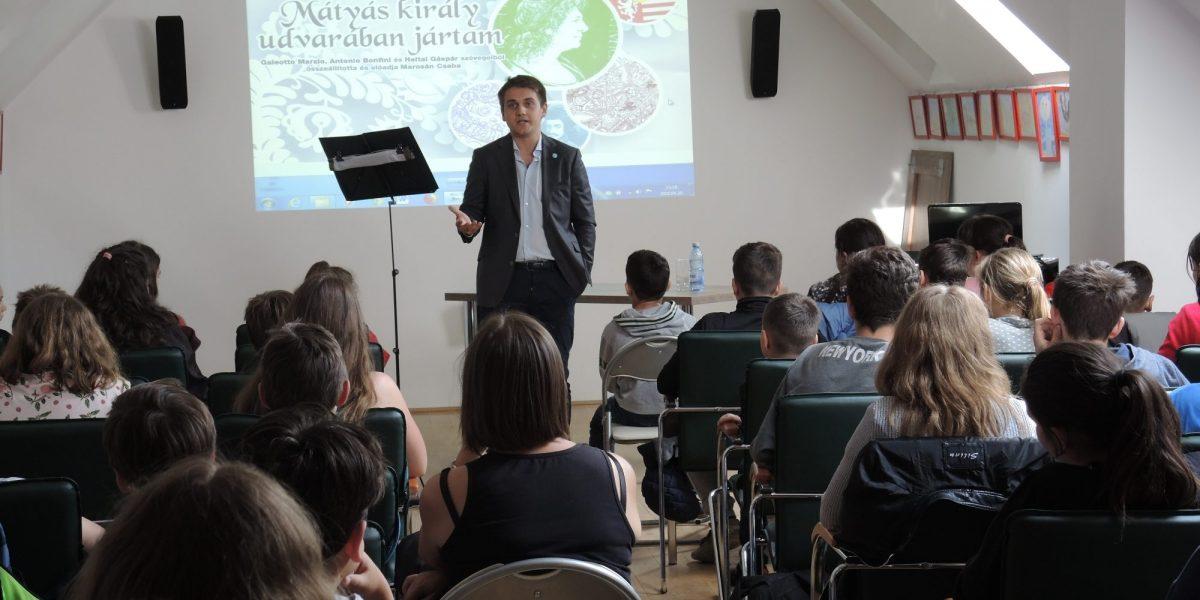 Mátyás király udvarában jártam - Marosán Csaba előadása 04.26. (Fotó: Fodor Tibor)