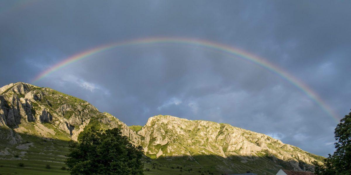Torockó - Székelykő - szivárvány (Fotó: MTI)